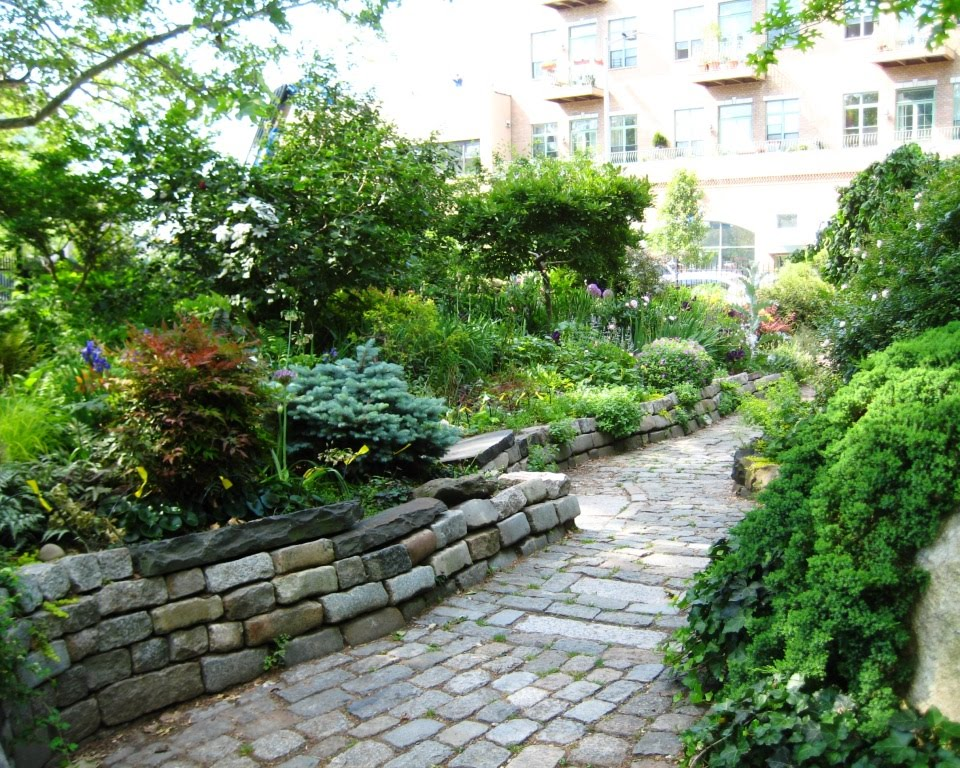 greendome_garden
